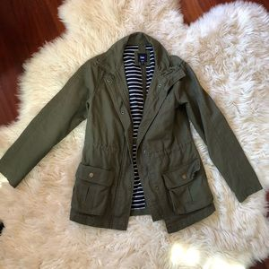 Gap green cargo rain jacket